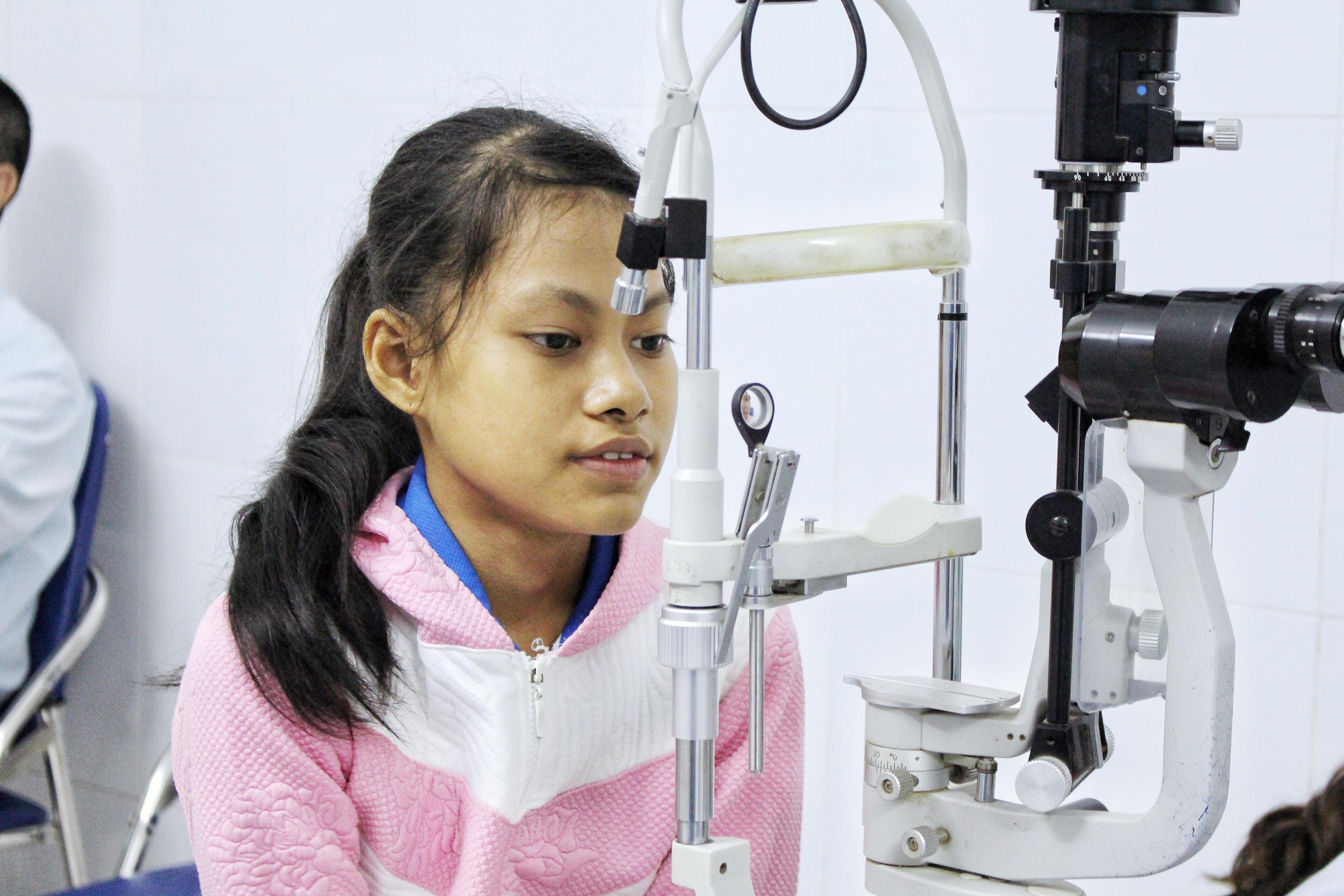 Khám và điều trị mắt cận thị tại bệnh viên mắt Hà Đông