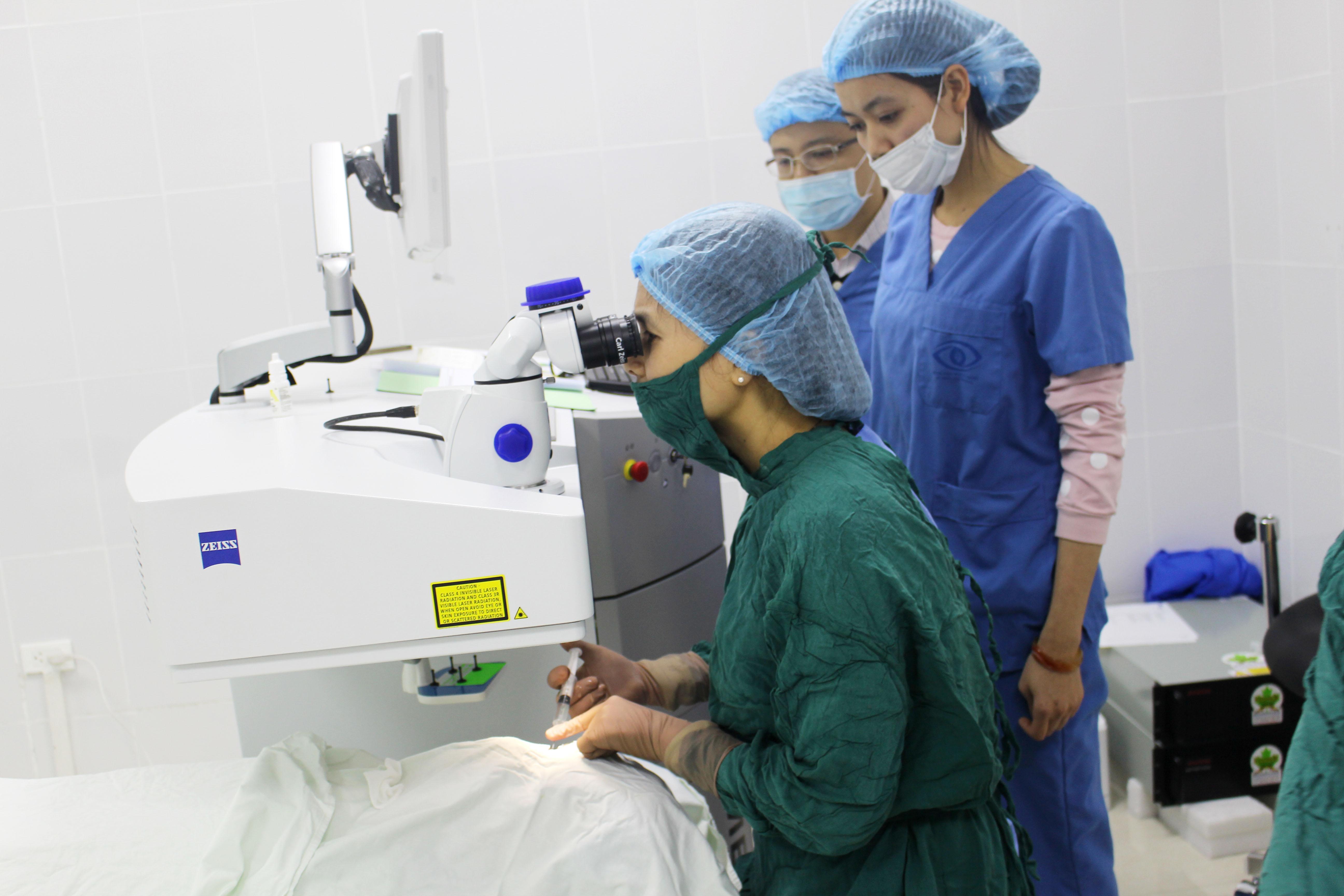 mổ cận thị phẫu thuật lasik