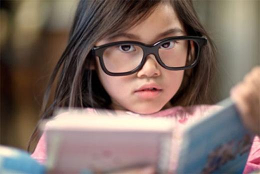 có nên mổ cận thị cho trẻ?